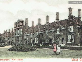 Fishmongers' & Poulterers Almshouses, High Road