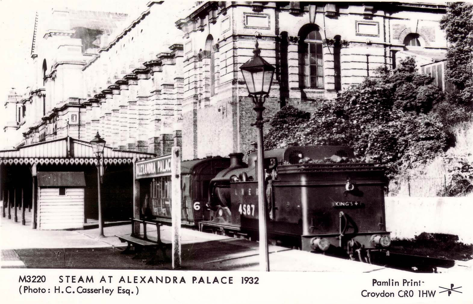 Postcard of Alexandra Palace Station, 1932