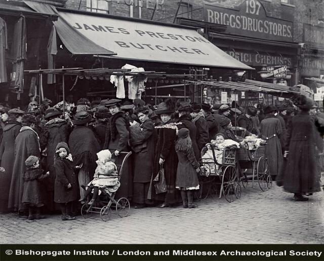 Victorian London street scene