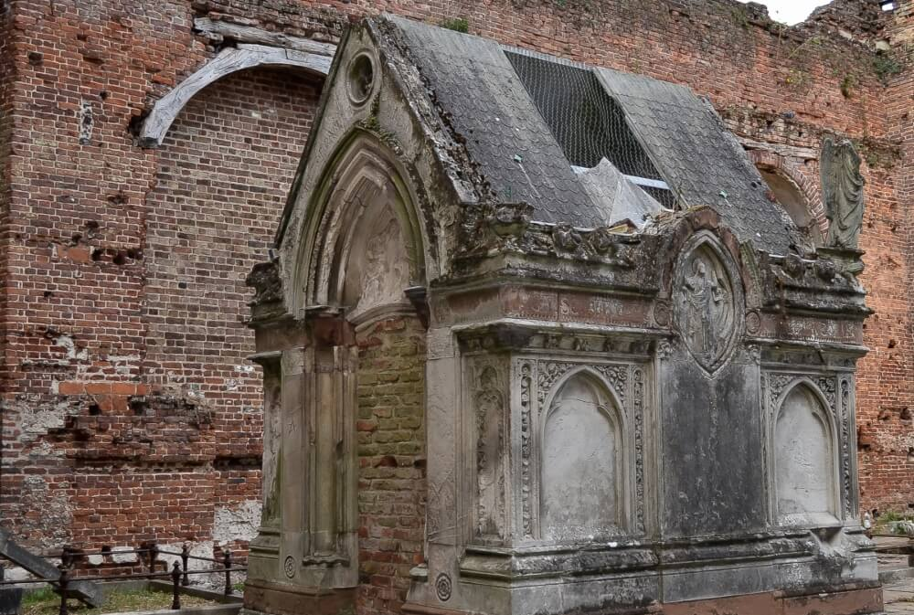 Remains in Old Stanmore Church